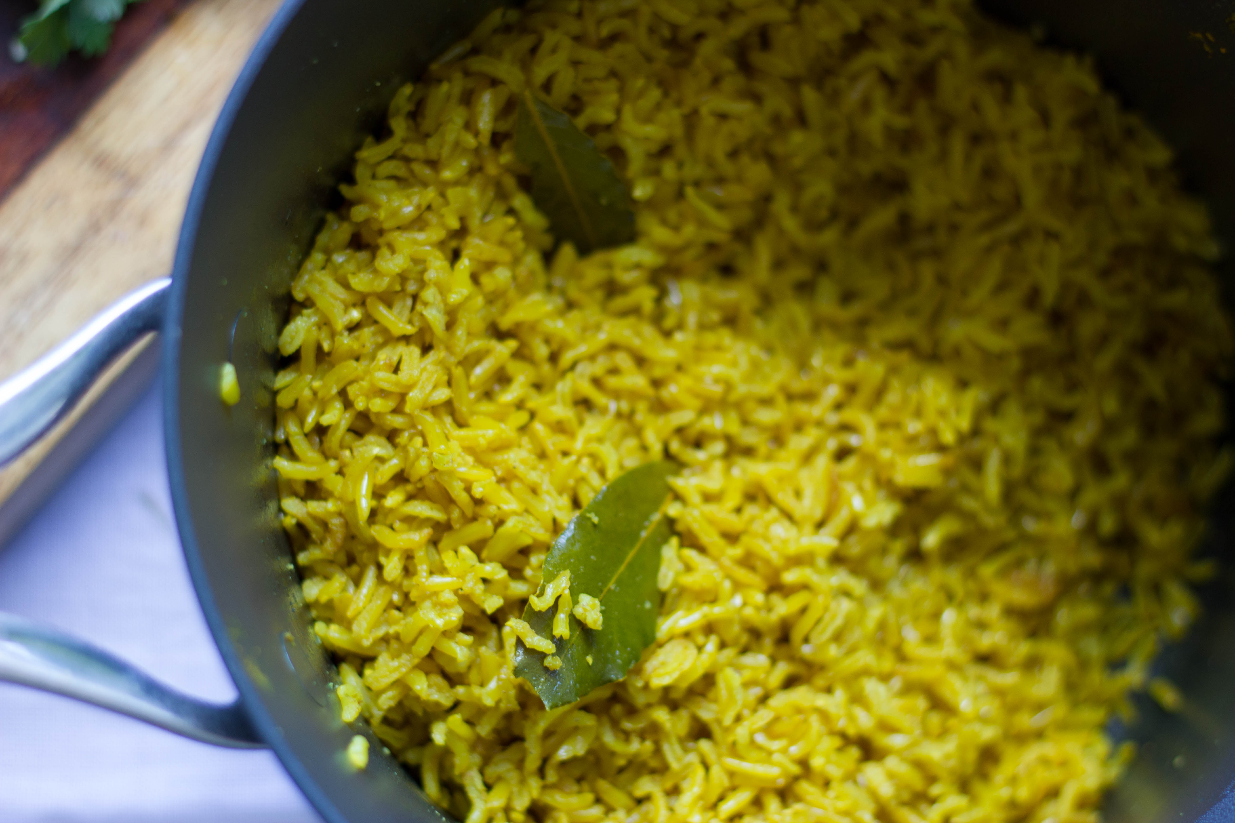how to cook yellow rice in rice cooker